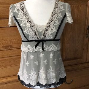 Nanette Lenore lace overlay top size 6